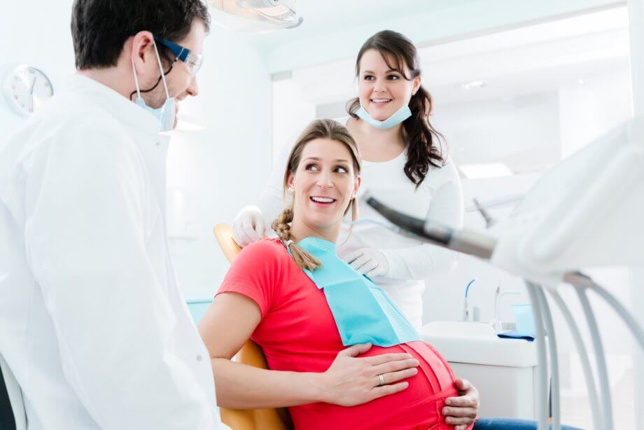pregnant woman at dentist